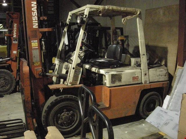 Nissan BF03A35PV Pneumatic Propane Forklift 1999