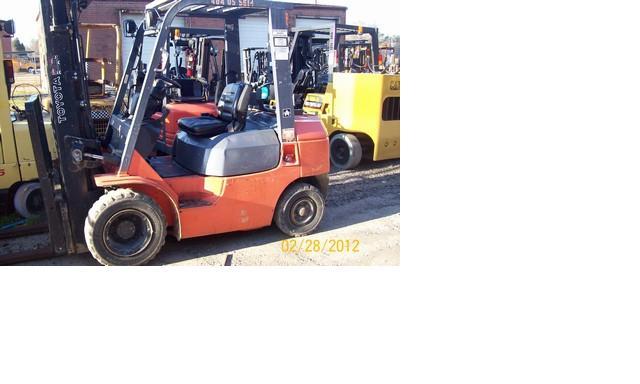 Toyota 7FGU25 Pneumatic 5000lb Dual Fuel 2005