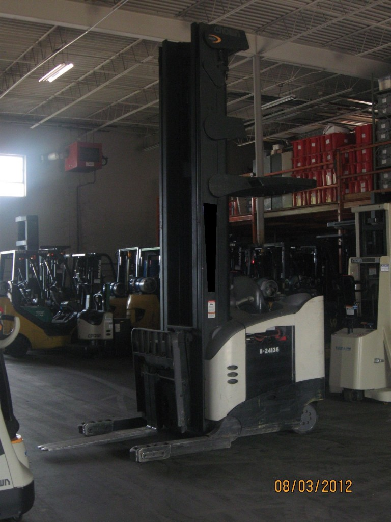 Crown RD Double Deep Reach Forklift 2003