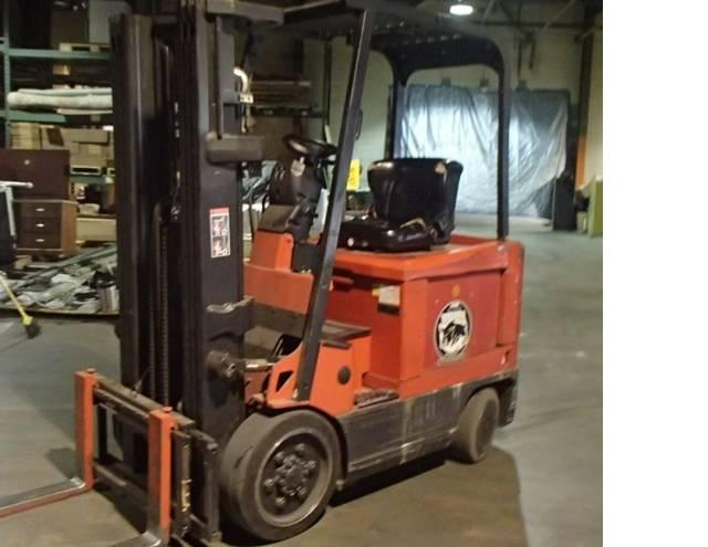 Raymond DSD50R Electric Forklift 5000lb year 2000