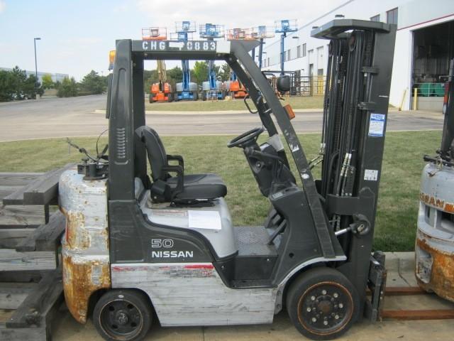 Nissan CF50 5000lb Propane Forklift 2007 Cushion Tires