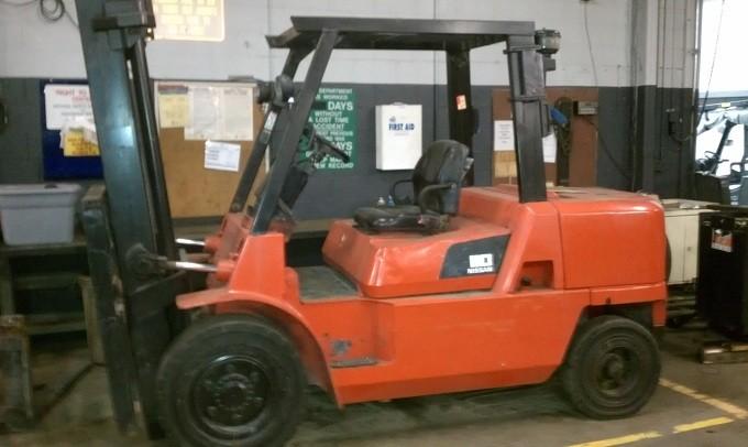 Nissan PD110 Diesel Forklift 2007 Solid Pneumatic Tires