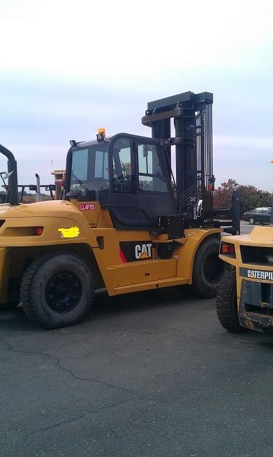 Caterpillar P33000 Diesel @ 16 Ton Forklift 2009