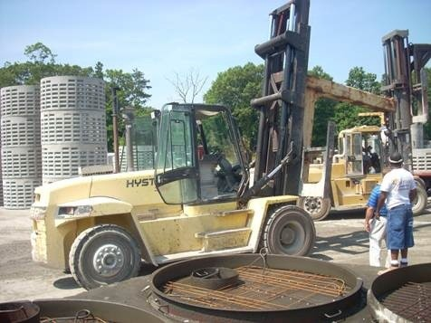 Hyster H360 Diesel Pneumatic Forklift 2001 @ 18 Ton, 36,000lbs