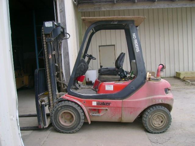 Linde H30D 6000lb Pneumatic Tire Diesel Forklift 1998