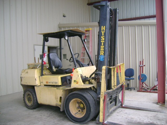 Hyster H90XLS Gas Pneumatic Tire 9000lb 4.5 Ton Forklift 1996