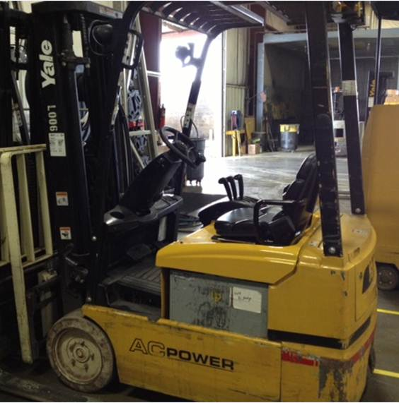 Yale ERP030 3-Wheel Sit Down Rider Electric Forklift 2007