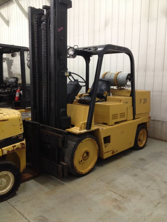 Caterpillar T150D Propane 7.5 Ton Cushion Solid Tire Forklift 1990
