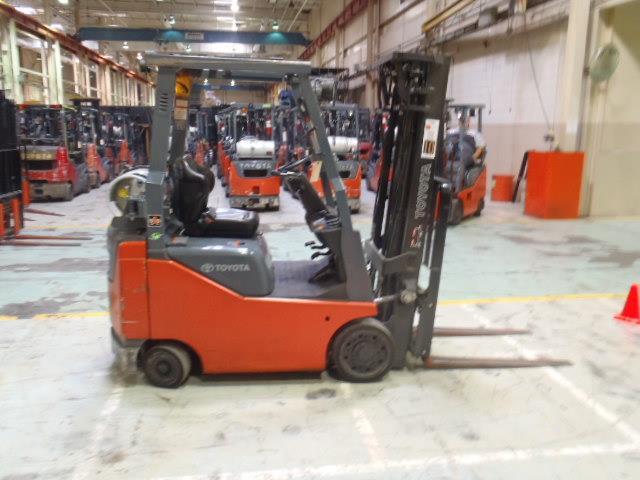 Toyota Forklifts 8FGCU15 3000lb Solid Tire Propane Forklift 2011