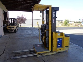 Yale Forklifts OS030 Stand Up Rider 3000lb Narrow Aisle Order Picker Forklift 2009