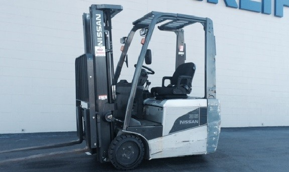 Nissan Forklifts TX35 3-Wheel Electric Sit Down Rider 3500lb Forklift 2011
