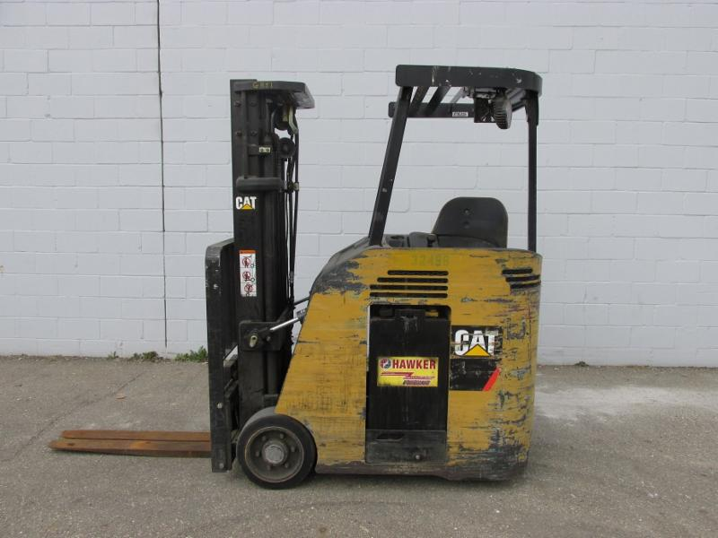 Caterpillar Forklifts ES3000 Counter Balance Stand Up Rider 3000lb Electric Forklift 2008