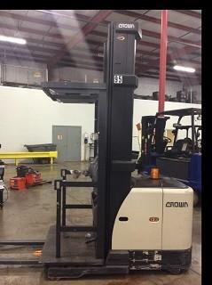 Crown Forklifts SP3520-30 Electric 3000lb Order Picker Forklift 2010