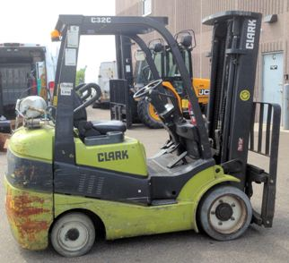 Clark Forklifts C32C 6500lb Sit Down Rider Cushion Solid Tire Propane Forklift 2012