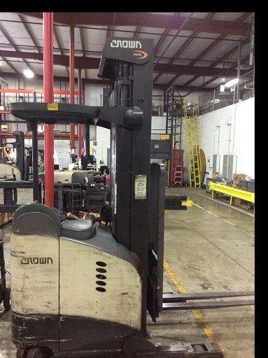 Crown Forklifts RR5795S-45 Stand Up Rider Electric 4500lb Reach Forklift 2012