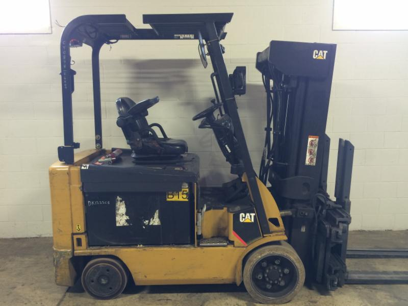 Caterpillar Forklifts E6000 Sid Down Rider 6000lb Quad Mast Electric Forklift 2011