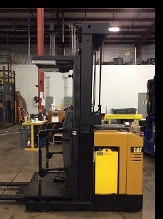 Caterpillar Forklifts NOR30P 3000lb Electric Wire Guide Order Picker Forklift 2005