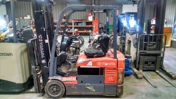 Toyota Forklifts 7FBE18 Electric 3500lb Sit Down Rider 3 Wheel Forklift 2010