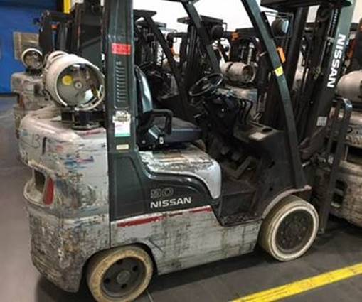 Nissan Forklifts MCPIF2A25LV Solid Cushion Tire 5000lb Propane Forklift 2009