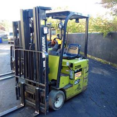 Clark Forklifts TMX15S 3-Wheel Electric 3000lb Sit Down Rider Forklift 2005