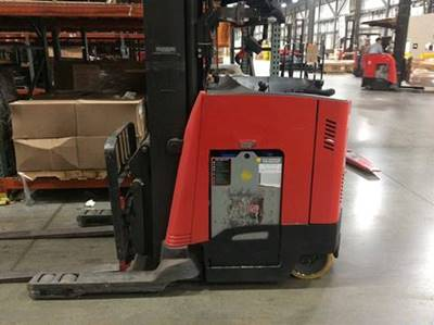 Raymond Forklifts 740DR32TT Electric Stand Up Rider Double Reach Forklift 2011