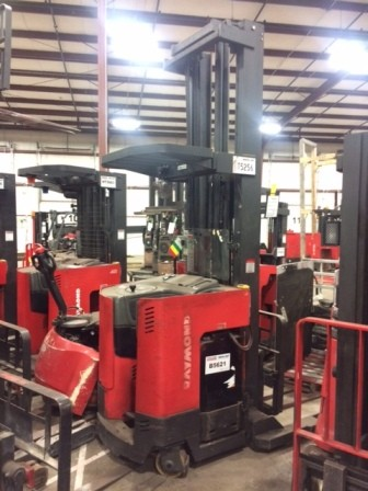 Raymond Forklifts Easi R40TT 4000lb Electric Stand Up Rider Reach Forklift 2001