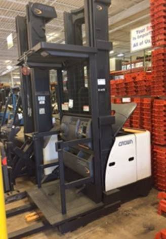 Crown Forklifts SP3420-30 Electric 3000lb Wire Guided Order Picker Forklift 2007