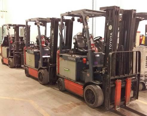 Toyota Forklifts 8FBCU30 6000lb Sit Down Rider 4 Wheel Electric Forklift 2011