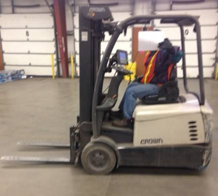 Crown Forklifts SC5225-35 Electric Sit Down Rider 3-Wheel Forklift 2013