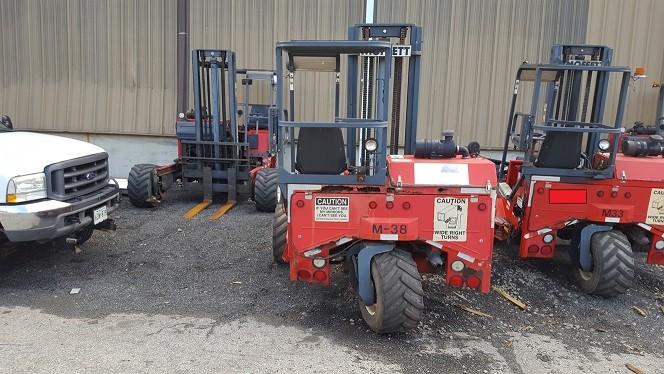 Moffett M5500 Truck Mounted 5500lb Capacity Piggy Back Sod Loader Forklifts 2004