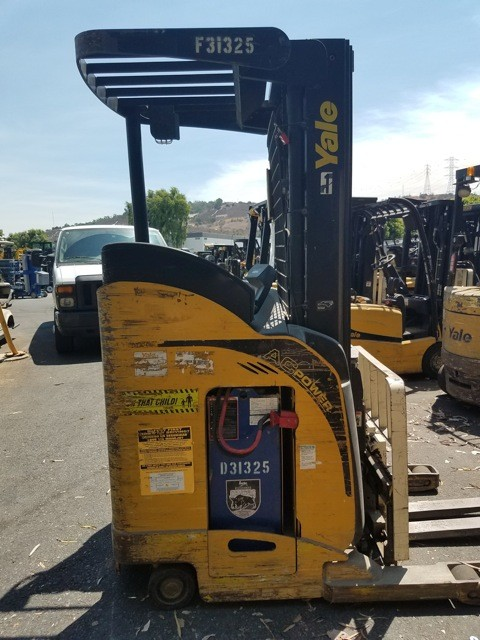 Yale Forklifts NR040 Stand Up Rider Electric Narrow Aisle 4000lb Reach Forklift 2010