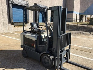 Crown Forklifts FC4010-50 Electric 4 Wheel Sit Down Rider 5000lb Forklift 2006