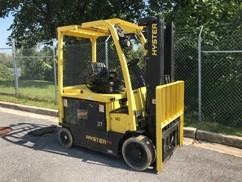 Hyster Forklifts E65XN Electric 4 Wheel Sit Down Rider 6500lb Warehouse Forklift 2013