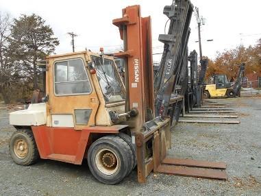 Nissan Forklifts DF05A70V Pneumatic Tire 15,500lb 7.5 Ton Outdoor Diesel Forklift 1996