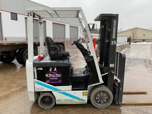 Nissan Unicarriers MCT1B2L25S BXC50 Electric 4 Wheel Sit Down Rider 5000lb Warehouse Forklift 2015