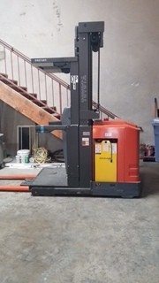 Toyota Forklifts 7BPUE15 Electric 3000lb Man Up Narrow Aisle Order Picker Forklift 2014