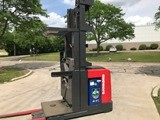 Raymond Forklifts 560OPC30TT Narrow Aisle Stand Up Rider 3000lb Wire Guided Order Picker Forklift 2006