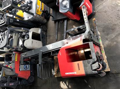 Raymond Forklifts 740DR32TT Electric Narrow Aisle 3200lb Stand Up Rider Double Reach Forklift 2008