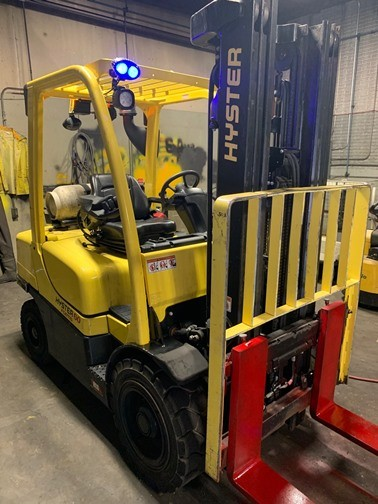 Hyster H60FT 6000lb 3 ton pneumatic tire 4 wheel sit down rider propane fuel outdoor forklifts.