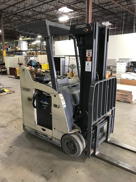 Crown RC5530-30 electric stand up rider end control counterbalanced 3000lb warehouse forklift