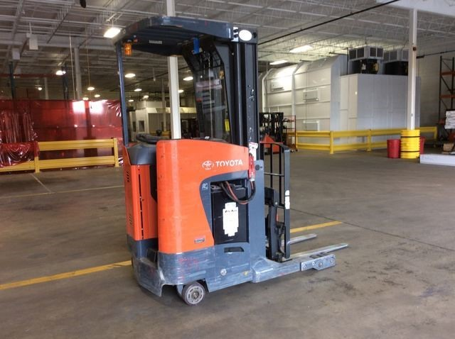 Toyota 8BRU18 electric stand up rider 3500lb narrow aisle reach truck.