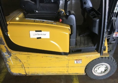 Yale ERP030VT electric 3-wheel sit down rider 3000lb pneumatic tire narrow aisle warehouse forklift