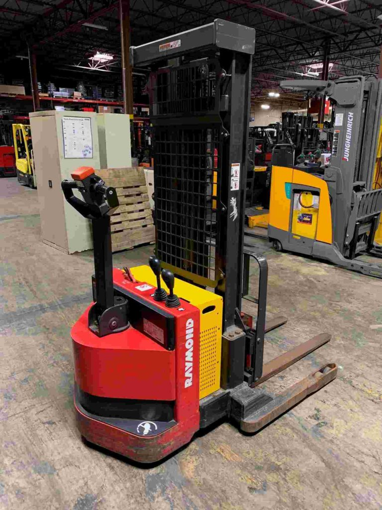 Raymond RSS40 electric walk behind narrow aisle 4000lb straddle stacker