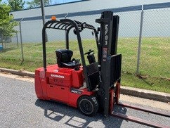 Raymond 4450C35TT electric 3500lb sit down rider 3 wheel narrow aisle warehouse forklift.
