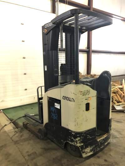 Crown RD5725-30electric narrow aisle 3000lb stand up rider double reach warehouse forklift.