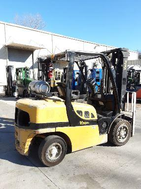 Yale GLP080VX pneumatic tire 8000lb propane fuel outdoor forklift.
