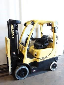Hyster S50CT propane fuel 5000lb triple mast solid cushion tire warehouse forklift.