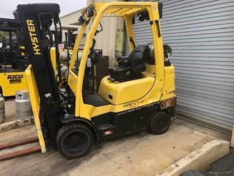 Hyster S60FT 6000lb cushion solid press on tire warehouse forklift on propane fuel with quad masts