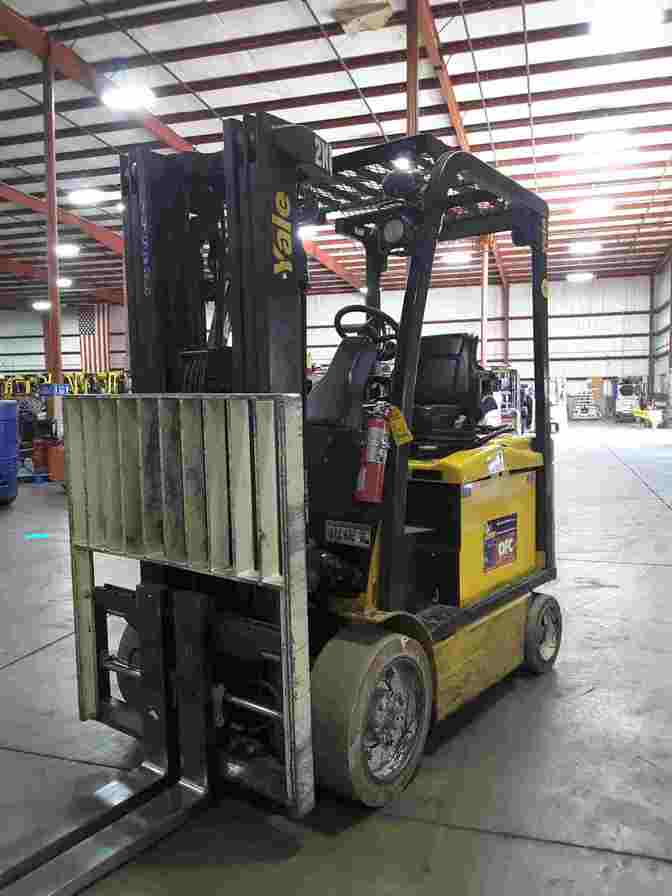 Yale ERC060 electric 6000lb cushion solid tire electric sit down rider warehouse forklifts