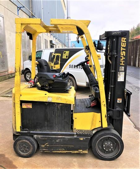 Hyster E50XN-33 electric 4 wheel sit down 5000lb warehouse forklifts